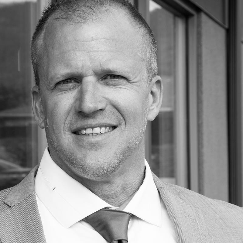 Dean Larson Managing Broker